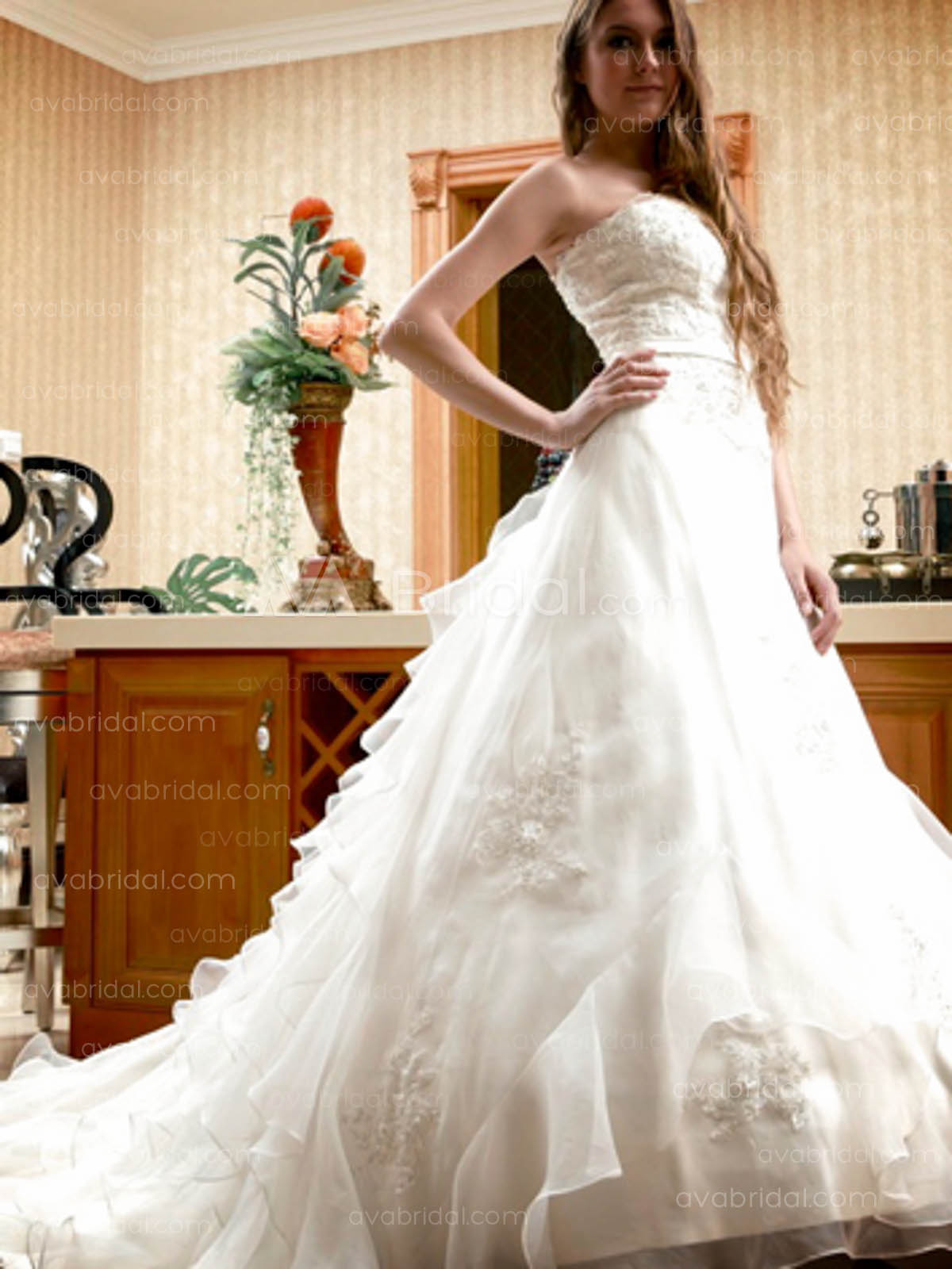 Hem layered Ball Gown Wedding Dress W622 Right Side