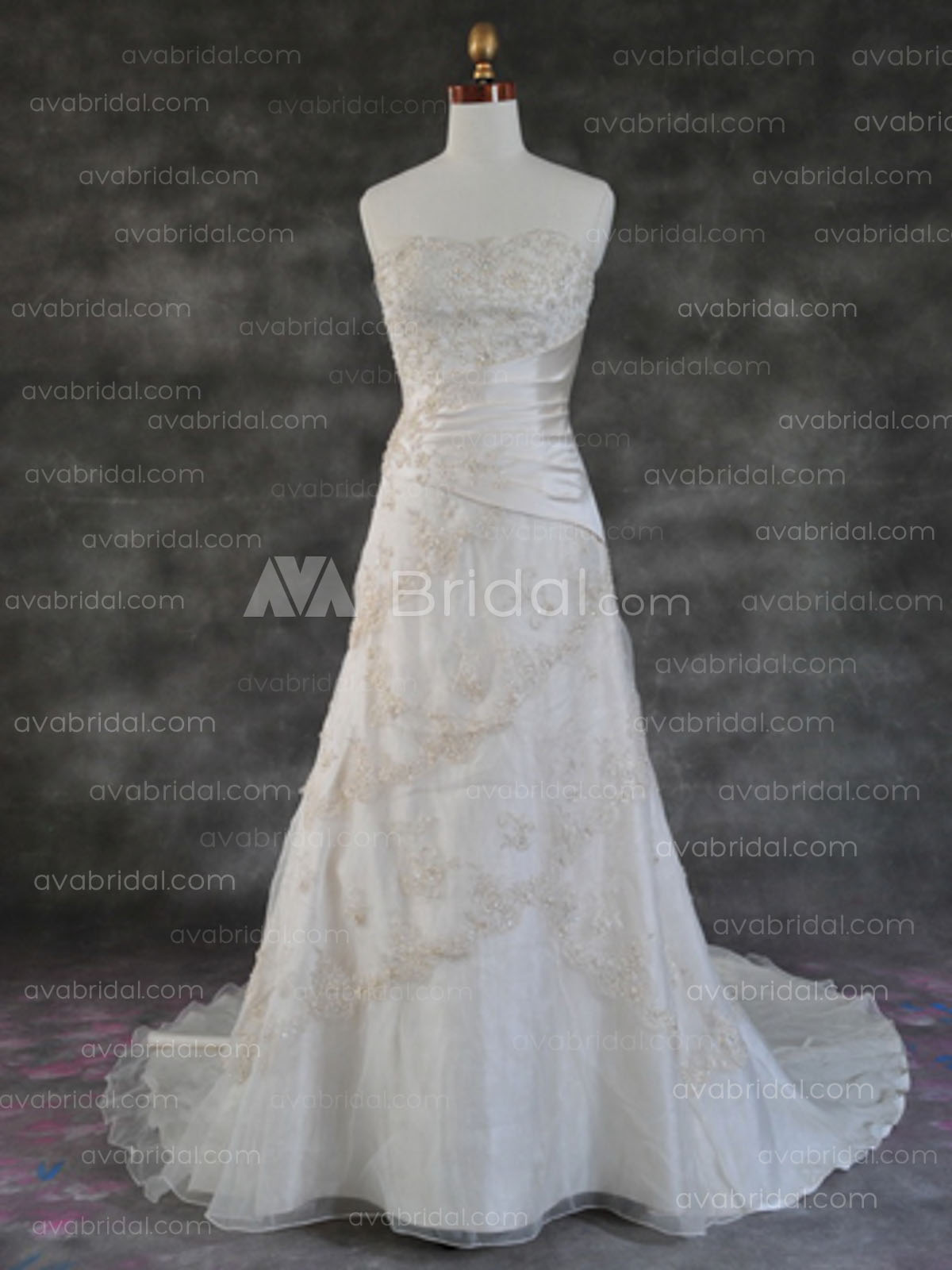Plus Size Wedding Dress - Quinta - Front