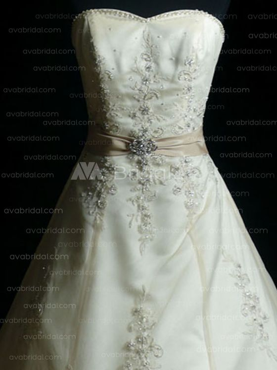Modest Wedding Gown - Hartlyn - Bodice